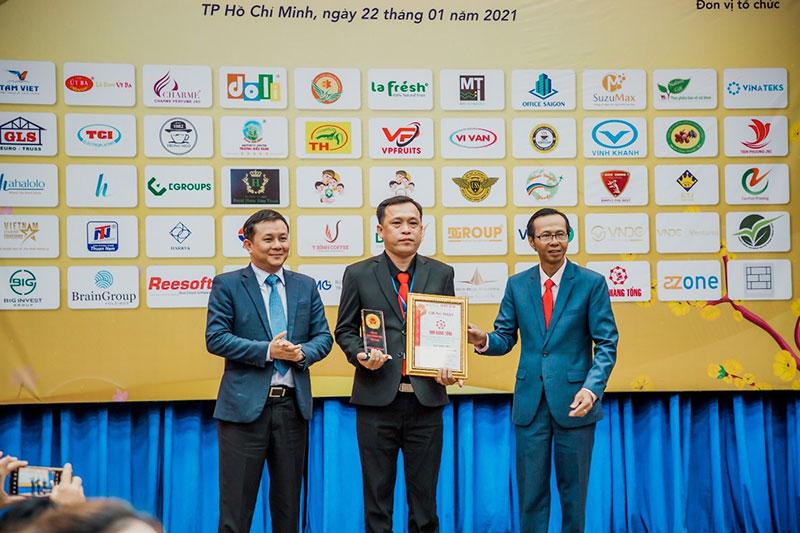 Kho hàng tổng Việt Nam Vinawares bứt phá mạnh mẽ, xứng tầm với Thương hiệu Việt xuất sắc